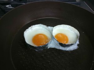 cooked sunny side up eggs